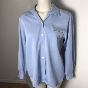 Foxcroft Women's Button down blouse top size 8